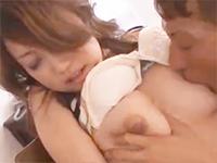 黒田悠斗 自宅で一人きりだった美塾女な奥さんが日焼けしたマッチョなお兄さんに体を求められ迫られて言葉では嫌がりつつも身体は感じてのめり込むイケナイ浮気セックス erovideo 女の子のための無料H動画