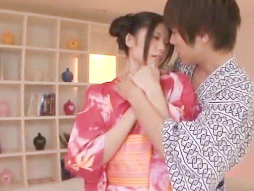 鈴木一徹 浴衣デートの前に彼女のうなじに興奮してしまい甘いキスからの着衣ラブラブエッチ erovideo女性のための無料アダルト動画