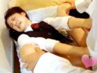 自暴自棄のスーツ男性が制服女子校生を無理やりベッドに押し倒し嫌がっているのに構わず挿入しちゃう無理やりエッチ FC2女の子のための無料 H 動画