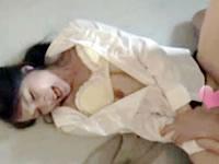 誰もいない夜の学校で嫌がる美人教師の服を無理やり脱がして犯しちゃうイケナイ男性教諭のセックス FC2女性のための無料アダルト動画
