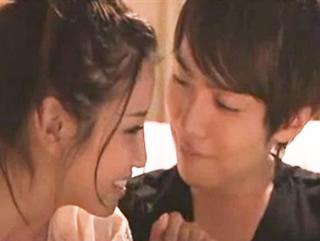 鈴木一徹 爽やかイケメンな彼氏がお風呂から上がったばかりの可愛い彼女のイイ匂いに惹かれてイチャラブH JavyNow 女の子のための無料H動画