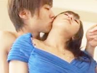 鈴木一徹 ふくよか体型のキレイな素人女性がインタビューを受けている最中にイキナリ登場したイケメン男優さんが女性を背中から抱きしめて即エッチ FC2 女の子のための無料H動画