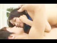 鈴木一徹 爽やかなイケメン男子の上にまたがってマショマロ巨乳をゆさゆさ揺らながら騎乗位で腰を振りまくるちょいポチャ美人お姉さんのセックス erovideo女性向け無料アダルト動画