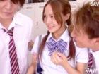 沢井亮 部活の先輩男子2人が天然アイドル系の可愛い後輩女子校生を巡ってエッチテク対決からの3Pに発展 百田ゆきな JavyNow 女性のための無料アダルト動画