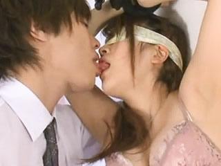 鈴木一徹 元国民的アイドルの妹が目隠し拘束されてイケメンAV男優さんにアブノーマルプレイで弄られて本気でイッちゃう濃厚SEX やまぐちりくFC2 女性向け無料アダルト動画