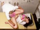 整体院に診察に来た美人OLさんが男性セラピストのマッサージを不審に思いながらも際どい場所を刺激されて段々と気持ちよくなりおチンチンを受け入れちゃうドキドキセックス erovideo女性専用無料エロ動画