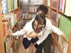 藍井優太 図書館の本棚で座り込んで作業しているメガネ女子校生の無防備なパンチラに興奮しちゃった男子生徒がガマン出来ずに迫っちゃう大胆過ぎるこっそりエッチ erovideo女性専用無料エロ動画