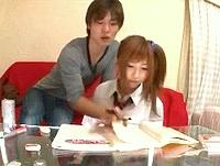 鈴木一徹 背中ごしに勉強を指導するフリして可愛い女子校生の教え子に甘いキスから手を出しちゃうイケメン家庭教師のイケナイ授業 成瀬心美 ShareVideos 女性専用無料エロ動画