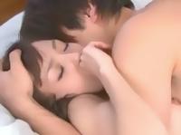 鈴木一徹 隣で寝ている大好きなイケメン彼氏の寝顔を眺めていたらイタズラしたくなっちゃった可愛い彼女が朝からイチャラブな目覚ましエッチ 希志あいの ShareVideos 女の子のための無料H動画