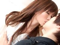 鈴木一徹 エッチなスイッチの入ったイケメン男子に甘いキス&リップされて照れ笑いしながらもトキメキを感じるお姉さんのラブエッチ ShareVideos 女性専用安心安全無料アダルト動画