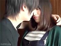 タツ ジャニ系イケメンな彼の壁ドンとキスにすっかりメロメロな美少女がそっと目を閉じて受け入れるラブSEX erovideo 女性専用無料エロ動画