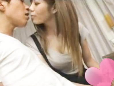 沢井亮 奥さんの親友のエロカワな小悪魔ギャルに誘惑されて酔って寝ている妻のすぐ近くでドキドキ浮気SEXしちゃう旦那さん FC2 女性専用無料エロ動画