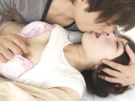 鈴木一徹 愛おしそうに優しくキスするイケメンに身を任せていた可愛い美少女が自分からもお返しでたっぷり責めちゃうラブラブH FC2 女性のための無料アダルト動画